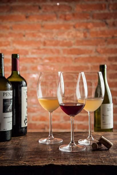 Rótulos de vinhos biodinâmicos e naturais