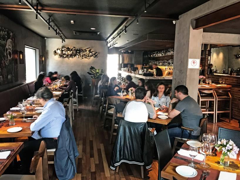 Salão do piso superior do Sal Gastronomia: novo espaço para provar as pedidas do chef Henrique Fogaça