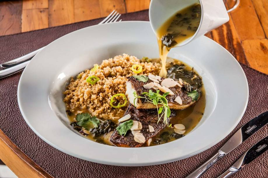 Tambaqui ao molho de tucupi: receita criada pelo chef Fogaça