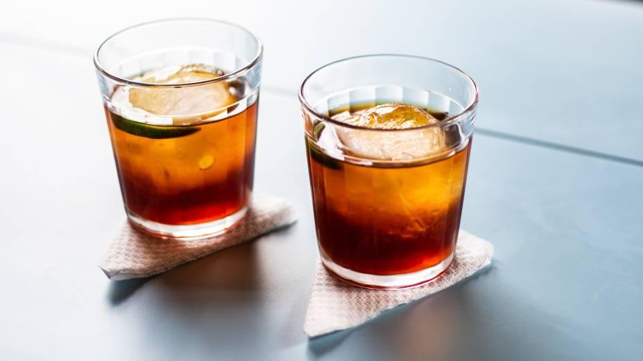 Bitter giuseppe: Cynar, vermute, bitter de laranja e limão