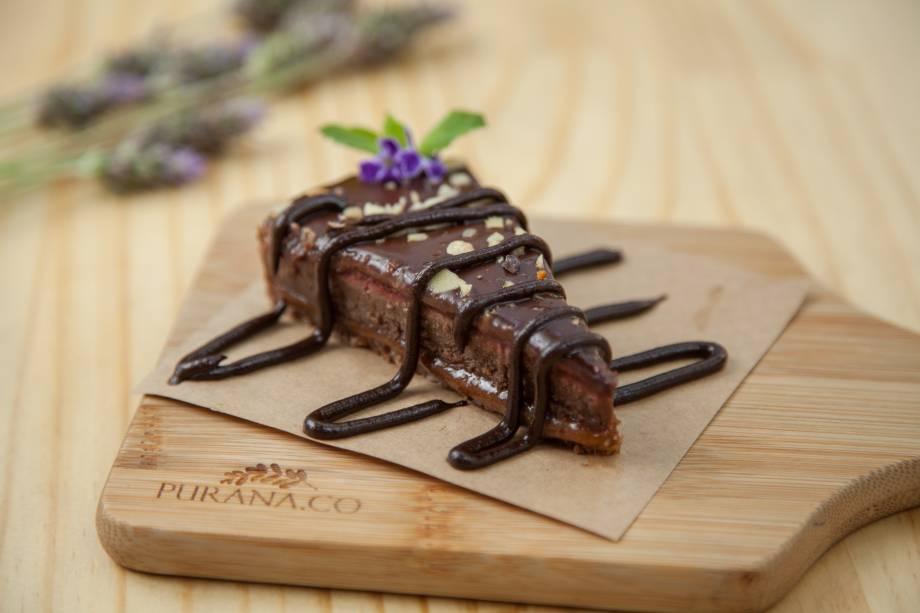 Torta de chocolate:amêndoa, tâmara e cacau orgânico