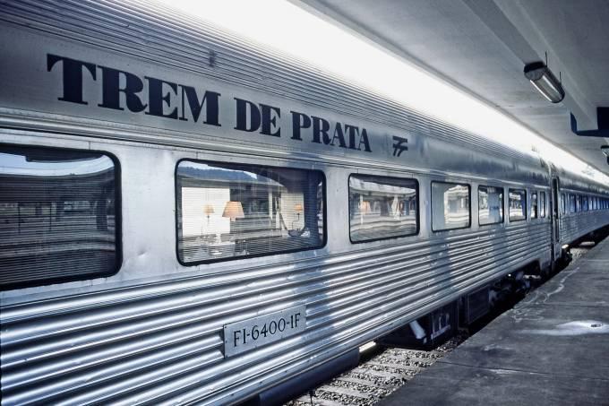 Expresso Santa Cruz, conhecido como Trem de Prata