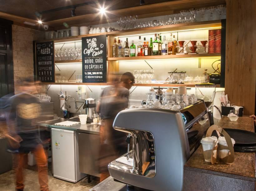 O café: dentro de um casarão tombado na Bela Vista