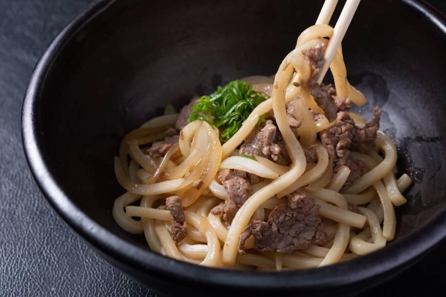 Udon: macarrão japonês produzido na casa