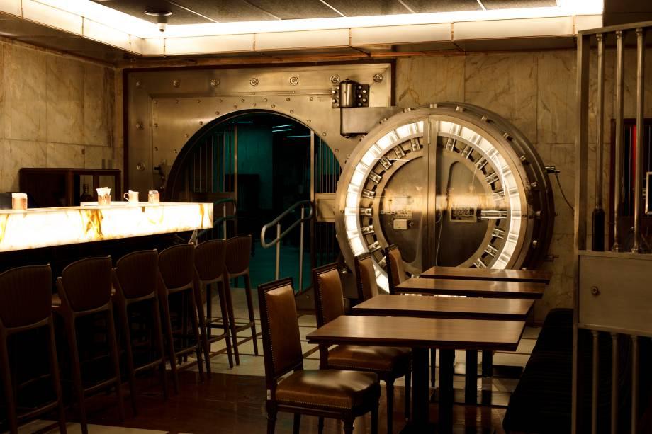 Espaço tombado: no subsolo do Farol Santander, é possível tomar drinques no antigo cofre do Banco do Estado de São Paulo