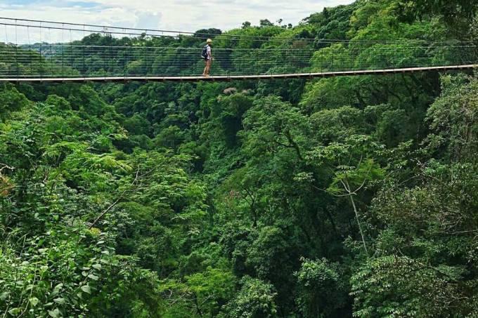 Ponte pênsil do Ecoparque Cassorova