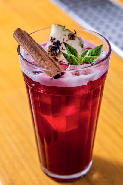 O carranca: drinque com tequila e chá de hibisco