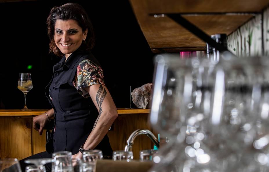 A bartender Talita Simões