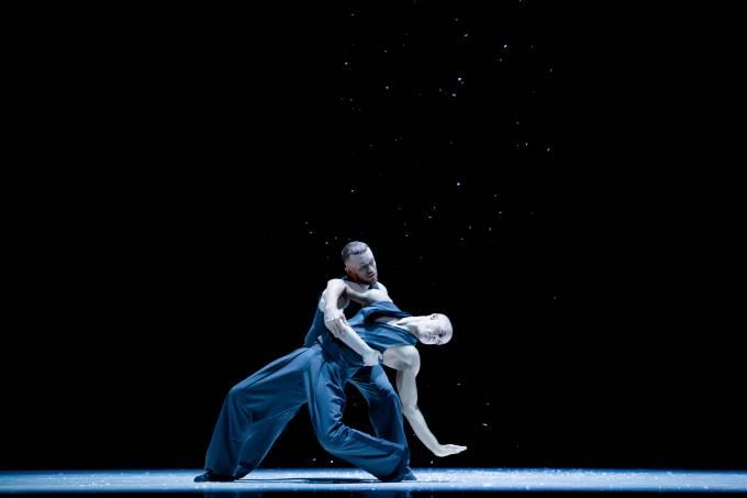 Les Ballets Jazz de Montréal – Dance Me