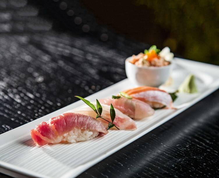 Seleção de sushis do menu assinatura: ótimos ingredientes