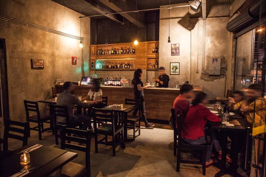 O salão: em uma esquina de Mirandópolis