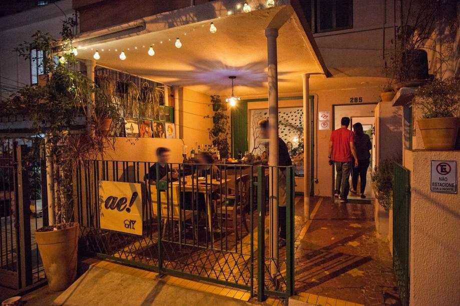 O espaço: antigo sobrado de portãozinho baixo na Vila Mariana