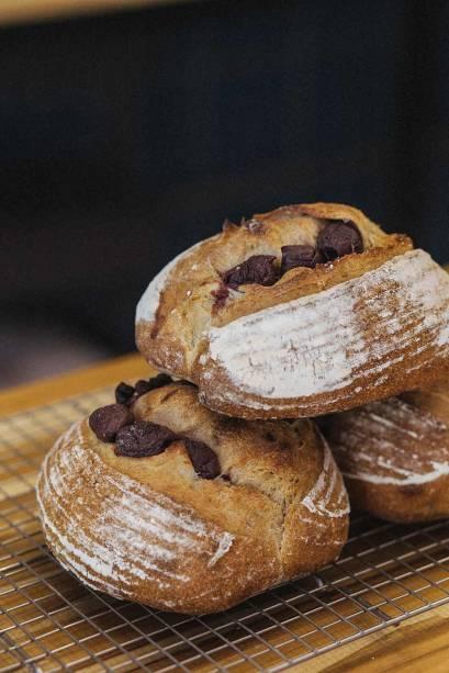 Pães com azeitonas graúdas: fermentação natural