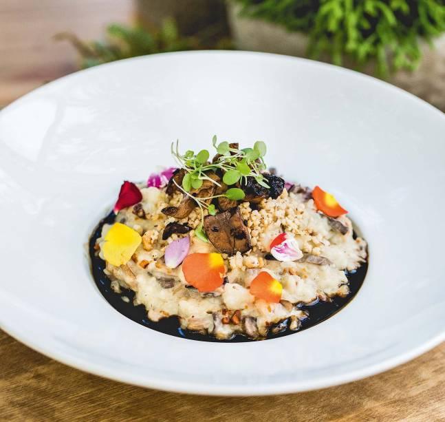 Risoto de cogumelos com couve-flor: leva pasta de castanha-de-caju