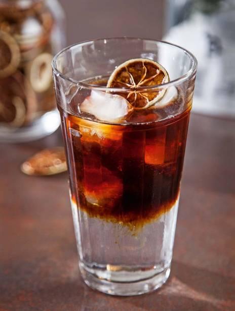 Ginpatônica: gim-tônica com café