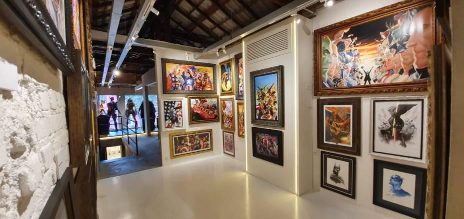 Galeria com produtos da Iron Studios Fine Art: obras assinadas por Stan Lee