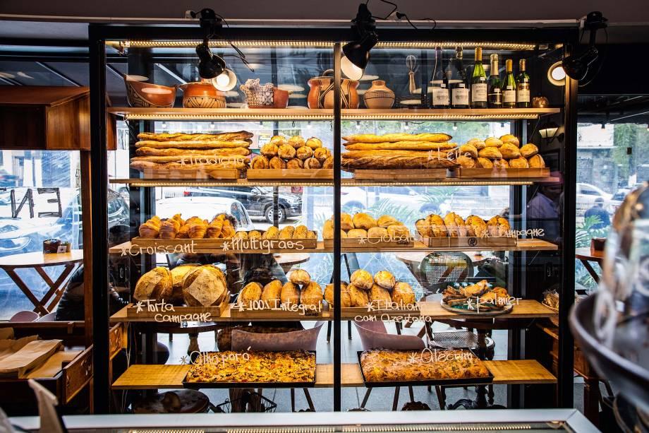Pães de fermentação natural: expostos na vitrine