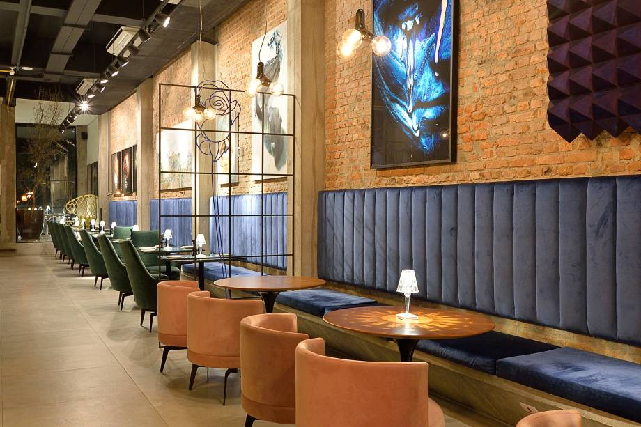 Salão amplo: ambiente confortável no Frê