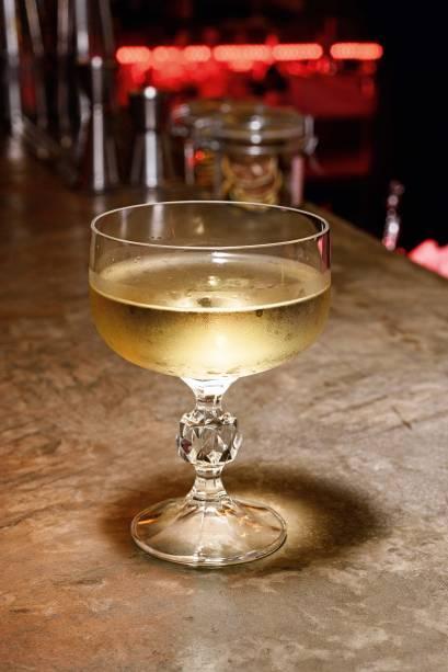 Lemonade: leva vodca perfumada com folha de limão kaffir