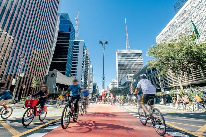 Inauguração da ciclovia na Avenida Paulista.