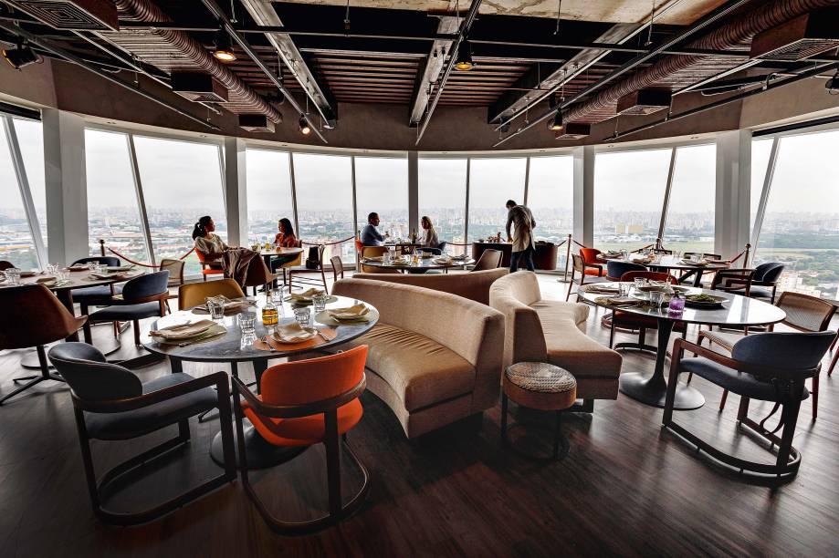 Salão com vista 270º: restaurante de Márcia e Ricardo Trevisani