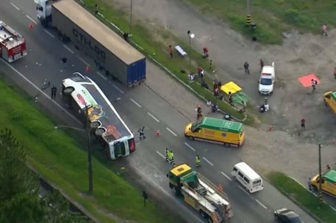 acidente-regis-bittencourt-onibus-01