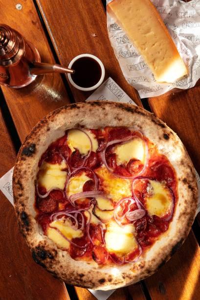 Pizza diavola: com linguiça apimentada