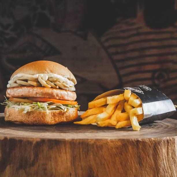 Sanduba de frango: pode ir com fritas