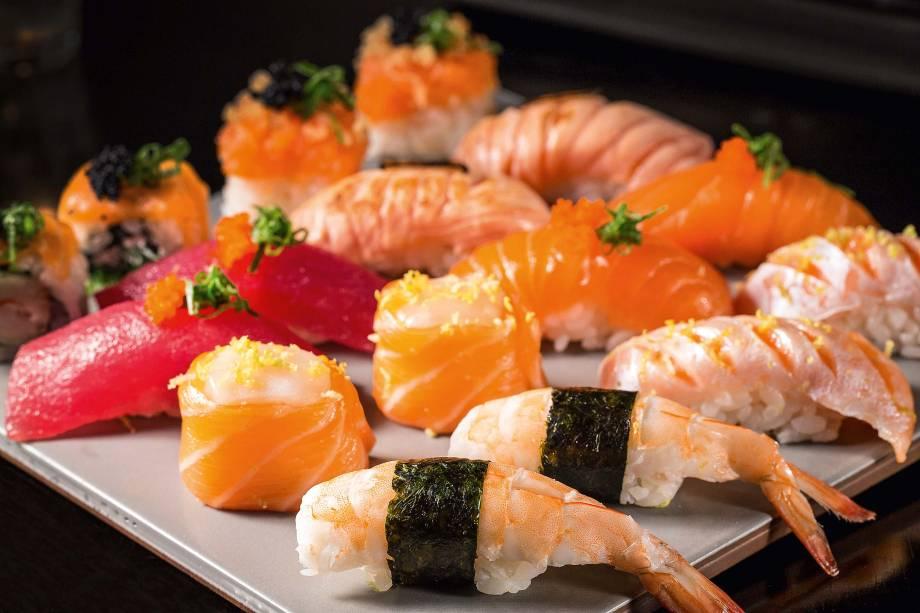 O rodízio à vontade: sushis variados