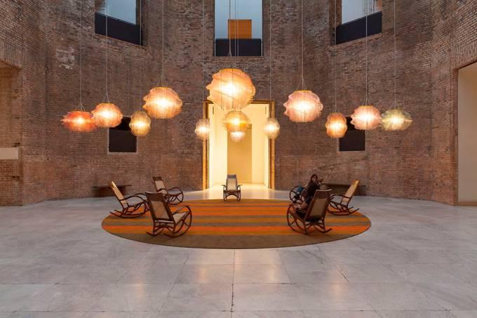 Obra interativa de Jorge Pardo ocupa Octógono da Pinacoteca em SP