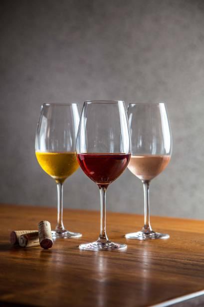Boa oferta de vinhos: 120 garrafas