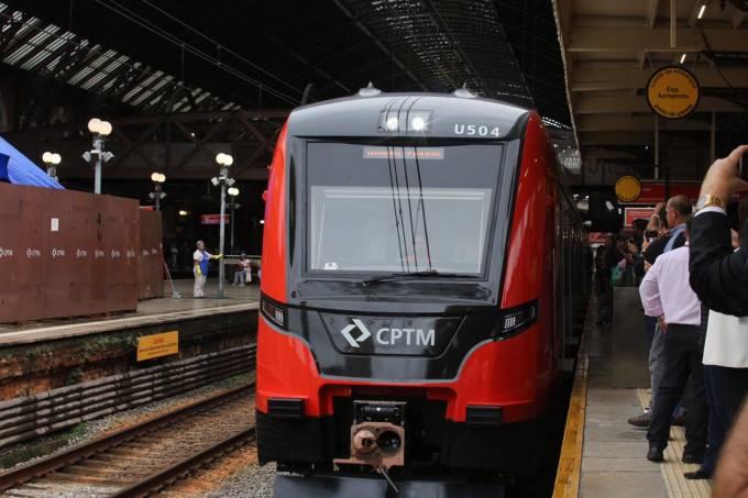 trem novo linha 13 jade