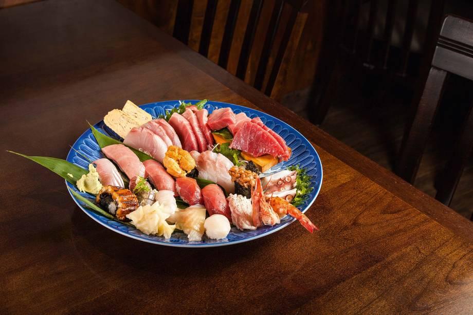 Combinado especial: bons sashimis e sushis