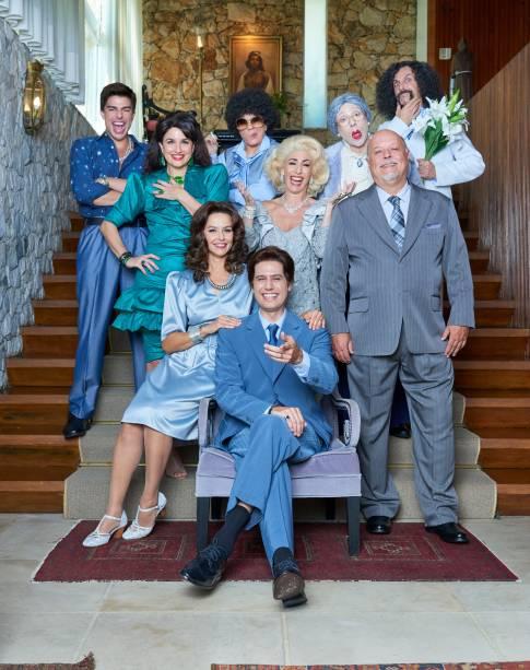 O elenco: personagens do SBT no palco