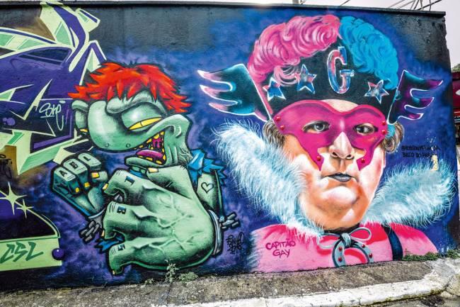 Grafites do Beco do Hulk: diversidade de super heróis
