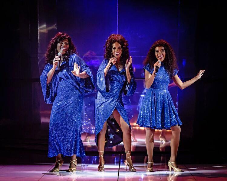 Três vezes Donna: Jennifer, Karin e Amanda vivem a diva