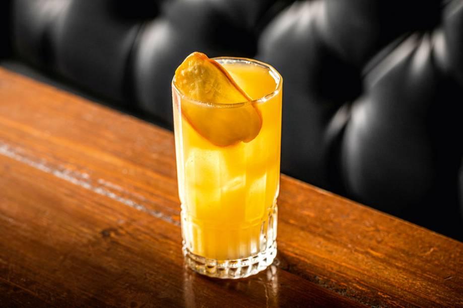 <span>Highball de caju: drinque faz parte de carta temporária</span>
