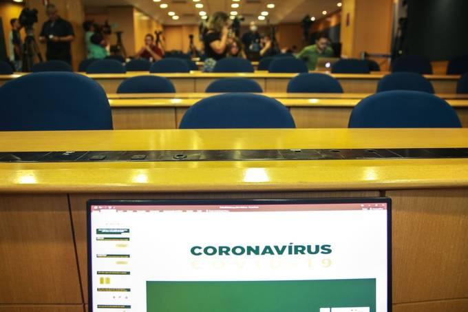 Coletiva de imprensa Covid-19