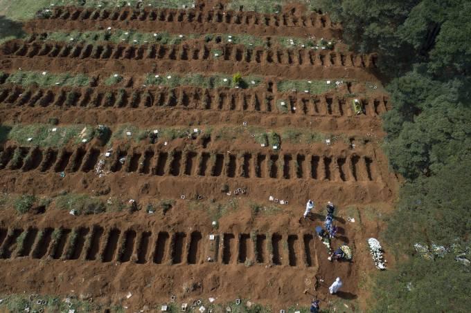 Cemitério Vila Formosa (André Penner-AP)