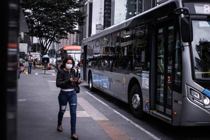 Avenida Paulista covid-19 máscara