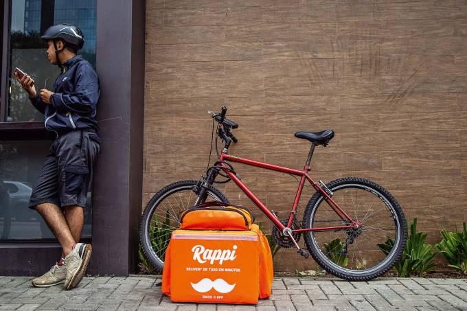 Motoqueiros aplicativos de delivery – gorjeta