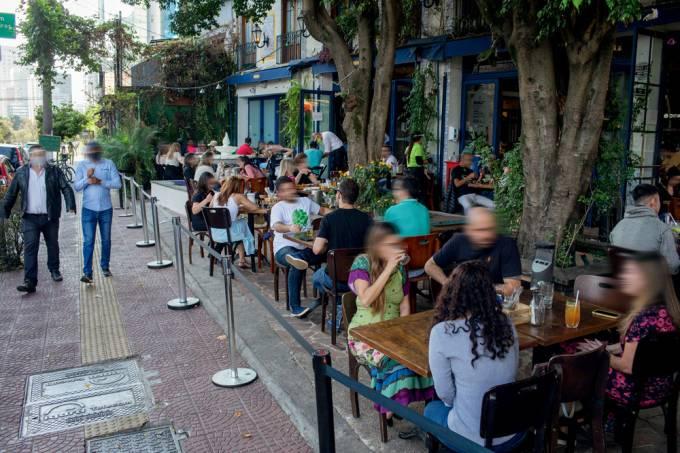 Bar na avenida Faria Lima