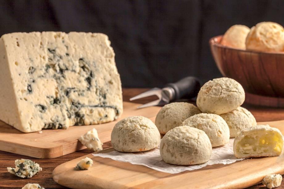 Diversos tipos de pão de queijo: gorgonzola é um dos sabores