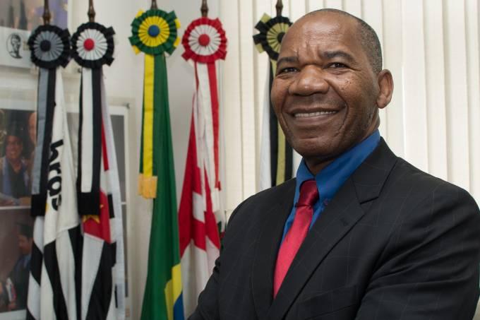 Reitor José Vicente (Patricia Ribeiro)
