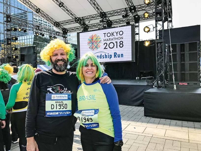 Correndo juntos: Maratona de Chicago, em 2016, e Maratona de Tóquio, em 2018, quando Sara completou a prova