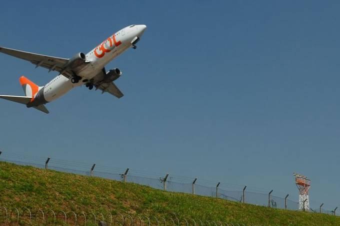avião da Gol decola