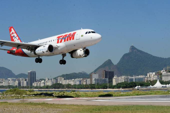 Aeroporto-Avião (Tânia Rego-Agência Brasil)