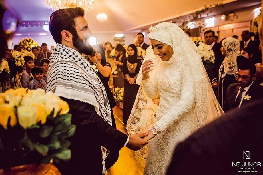 Parceria e diversão: Mariam e Mahmmud na festa de casamento e durante a lua de mel