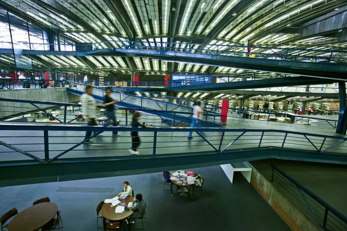 Interior do Centro Cultural São Paulo.