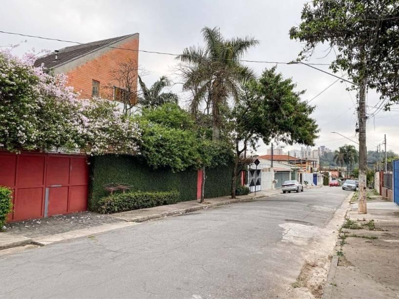 Casas na vizinhança do novo parque: não exatamente um enclave necessitado